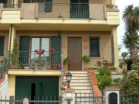 Agenzia Immobiliare Caporalini - Villetta a schiera - Annuncio SS622 - Foto: 0