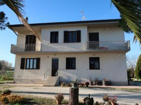 Immobiliare Caporalini real-estate agency - Semi-detached house - Ad SS651 - Picture: 2