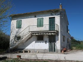 Immobiliare Caporalini real-estate agency - Farmhouse or Country House - Ad SS600 - Picture: 3