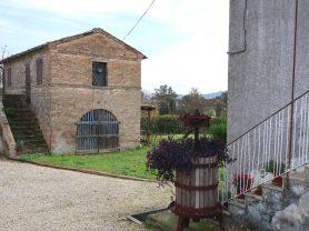 Agenzia Immobiliare Caporalini - Casa colonica - Annuncio SS668 - Foto: 4