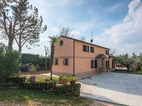 Immobiliare Caporalini real-estate agency - Farmhouse or Country House - Ad SS621 - Picture: 1